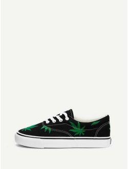 Men Leaf Print Low Top Canvas Sneakers