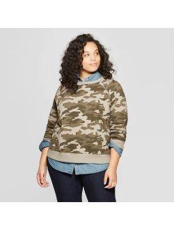E Long Sleeve Crew Neck Camo Print Sweatshirt - Universal Thread™ Green