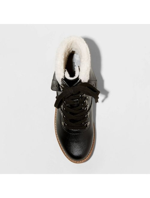 Women's Karissa Sherpa Cuff Boots - Universal Thread™