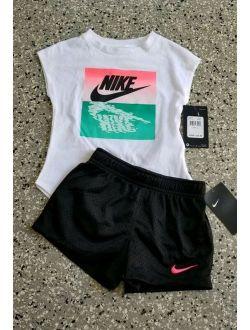 Nike Kids Girls Graphic T-shirt & Short Pants Outfit Set Size: 4