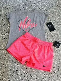 New Nike Girl's Graphic Gray Coral T-Shirt & Short Pants Outfit Set Size: 6X