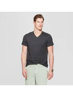 Fit Short Sleeve Lyndale V-neck T-shirt - Goodfellow & Co™
