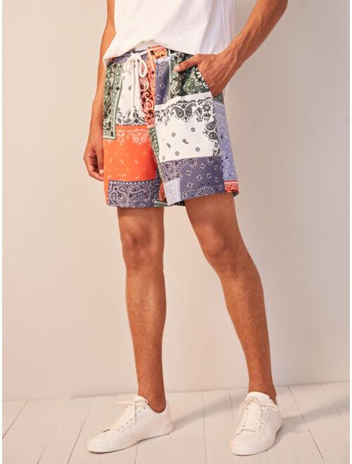 Shein Men Scarf Print Slant Pocket Shorts