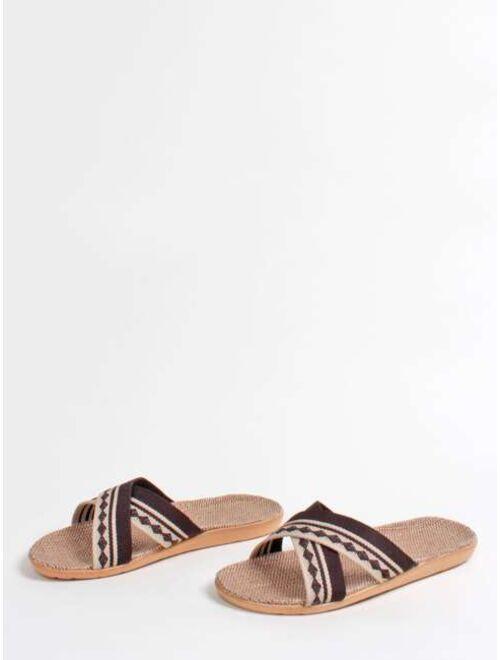 Men Geometric Pattern Criss Cross Slippers