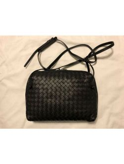 Women's Classic Black Intrecciato Nappa Messenger Bag Italy