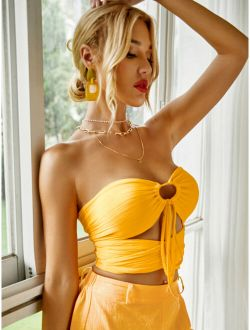 O-ring Ruched Peekaboo Front Crop Tube Top