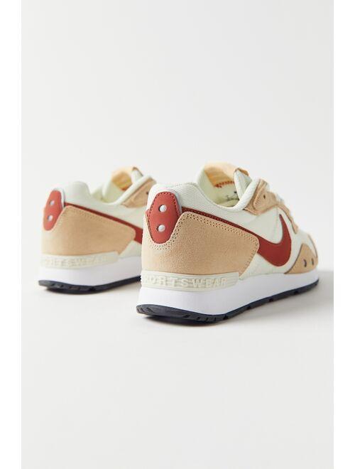 Nike Venture Runner Women's Sneaker