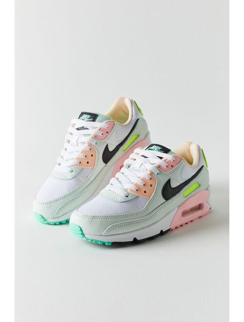 Nike Air Max 90 Women's Sneaker