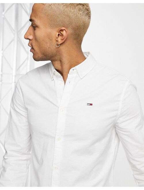 Tommy Hilfiger Tommy Jeans slim fit oxford shirt in white
