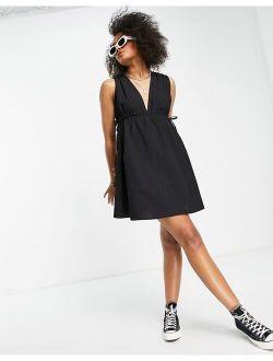 cotton poplin plunge mini sundress with ruched waist in black