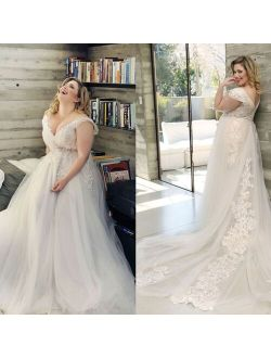 Floral Print V-neck Neckline Plus Size Wedding Dress with Tulle Lace Applique Pearls Beads A-line Sweep Train Bridal Dress