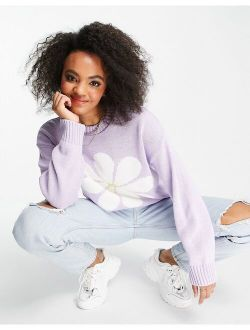 sweater with daisy pattern in lilac